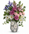 Teleflora's Spring Cheer Bouquet